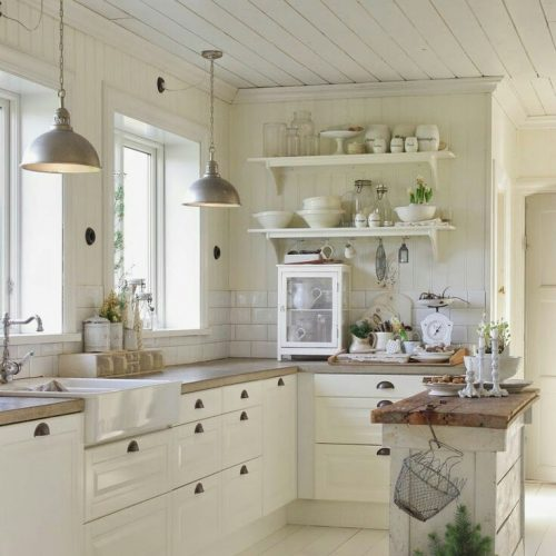 Traditional look kitchen with a Shabby Chic look