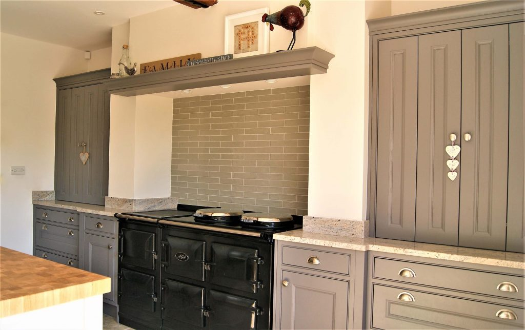 Sutton Farm - In-frame farmhouse kitche